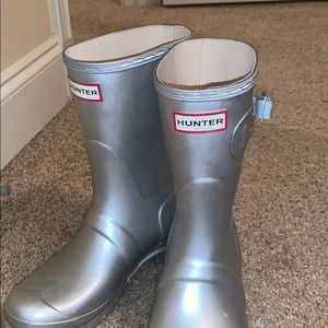 Size 7 Silver Hunter Boots!